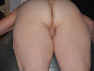 Tasty. Love see pussy and ass wide open. Love taste &fuck both holes. Love to chat