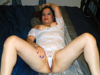 What an amazing shot of her pussy i love the way the panties ride in her slit makes me super hungry