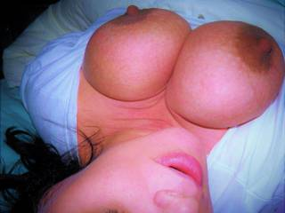 I got my tits out, do you like them gent\'s?