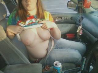 Something so naughty about flashing in a car ;-) I like it.