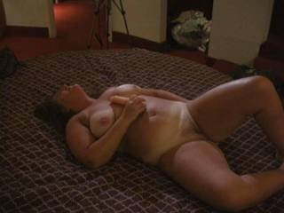 BEAUTIFUL FUCKING BODY,I WOULD FUCK HER TIL MY COCK WAS RAW !!
