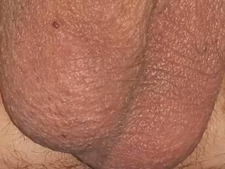 I like my balls sucked hard. Make it hurt.