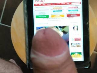 Today a tribute to Biganduncutfan🌹, the tablet got mad when my huge load reached it 😂 I love your naughty words as much as your sexy and tatooed body. I wish I could show you what it does to have a fat cock in your delicious pussy... Talk to you so