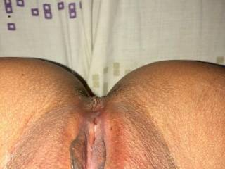 Showing my freshly waxed pussy 😘