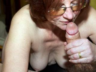 Do you like this vieuw of mature women giving me a blow job?