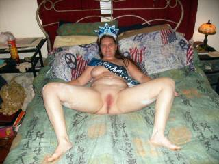 i would love to eat her pussy as she sucks another cock