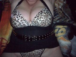 I am wanting to lick suck and eat your pussy into a wild frenzy making her purrrrrrrrrrrrrrrrrrrrr with pleasure! mmmmmmmmmmmmmmmmmm