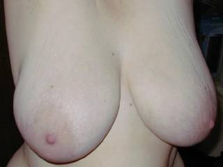wow would love to suck on those beautiful massive tits