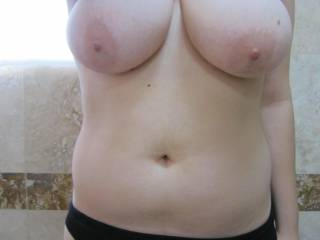 great boobs, I really enjoy their shape and the fact that they are natural drives me wild @!!!