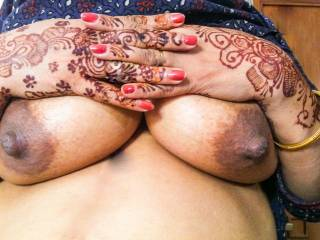 beautiful nipples honey, they really turn me on !