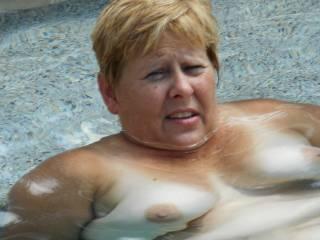 Sooooo awesome!!! Love fucking in the pool!