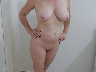 Mm what more to say . Just a lovely mature natural well age women whit attractive bod an also good looking .
