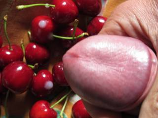 Cumming hard on fruits - cream for 4 u girls, you want some?