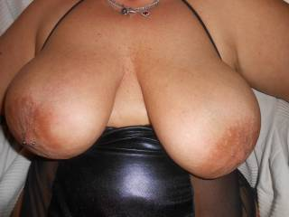 Wow !!!!!!!!!!  Love those big boobies.   Cumshot ?