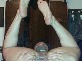my spread stretched hole ready for a real dom lady to give it a good pounding!!! any takers?