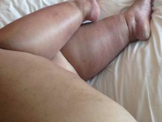 I love your sexy legs and feet, and that is right what I want to do!!