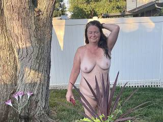 Milf J loves to show off outdoors