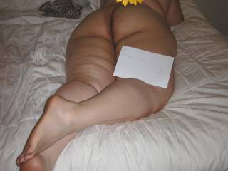 The wife is 110% real... Please let her know what you think and how you would worship this deliocious latina goddess...