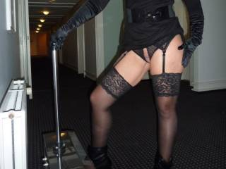 we like to take Pictures in public Areas like Hotels. If you like to know more, ask us