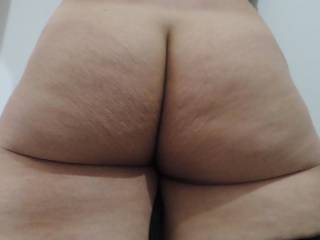 What do ya think about my booty, guys?