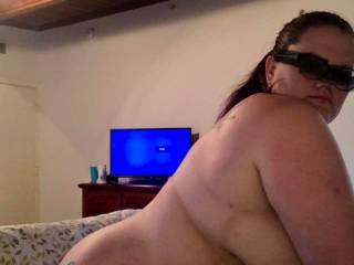 Tasteful side boob