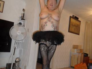 Hi all wonder if I can do the nut cracker sweet? dirty comments welcome mature couple