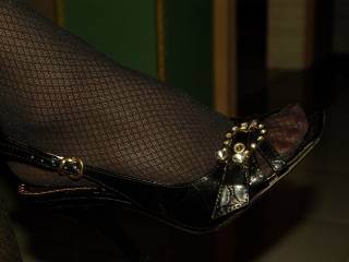 I loves when my wife have nail polish, stockings and high heels on. It\'s so sexy and turn me on