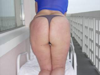 I love your photos, six wonderful one, a lot sexy, your sublime body thanks for the pleasure that mine you have given,  watching your photos I hope to see to you thanks thanks still luciano