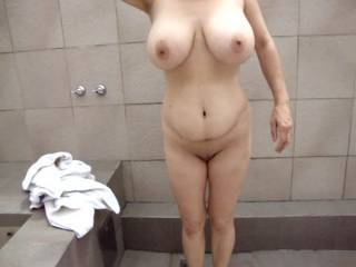 I love those big tits and wish  to have my throbbing cock get squeezed in between them  and cum all over her tits and nipples.