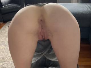 good girl with ass up. Waiting for her master.