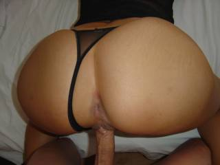 would love to tounge her ass while your fucking her