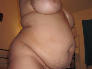 Side-Angle-BBW-Photos are so damn hot! More please of this really horny and sexy bbw and her tits! If possible please with whole body oiled up *_*