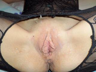 love to add my load then lick those big sexy pussy lips clean for you
