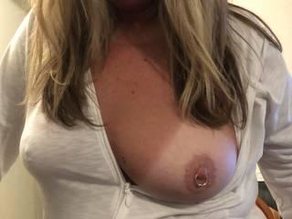 Wife flashing her sexy boobs