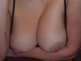 we want to see your cum over her Tits. Please reply with your dedication. Also please contact us if you want to photoshop some pics of us