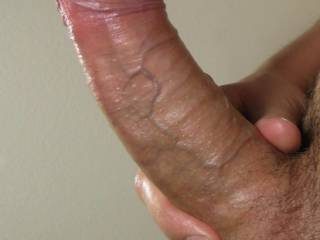 Awesome cock!! love for both of us to suck on it!! Then wanna see missus sit on it!!!