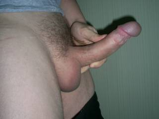 A sideview of my dick...