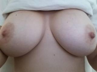 oh my...what an incredible beautiful big tits....mmm