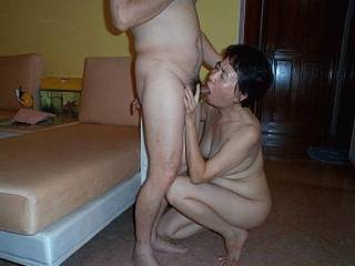 I love sucking cocks and eating cum.