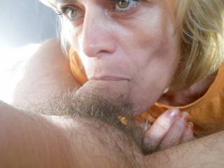 I wish that was my cock! What a hot woman
