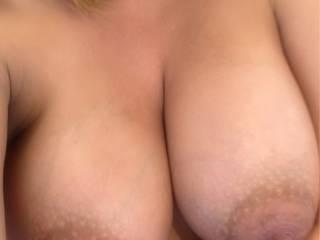 Selfie tit shot