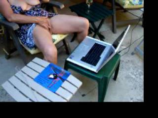 A little outdoor webcam fun with a friend.  Mic and speakers didn\'t work so had to use the phone.