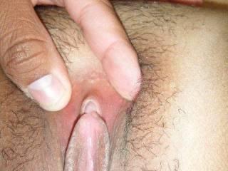 mmmm bien lécher et puis avec le bout de la langue sur le clito.... mmmm good lick And then with the tip of my tongue on her clit .
