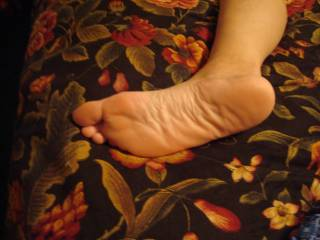 Mmm your feet are so sexy hun xxx I would just love to lick your sexy soles for hours...mmmm what a treat ;)