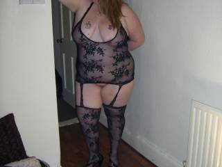 wow, what an incredibly sexy pose - you're f'king gorgeous Miss Nawty - I also wanna lick you all over mmmmmmmmmmmmm (please?) xxx
