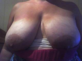 Can you please wrap those sexy sexy breast around my cock and hurt me. Your body is incredible