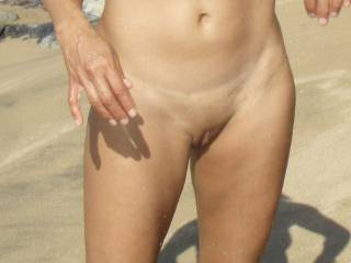 freshly shaved Asian pussy in the wild~! Good enough to _______ ~!