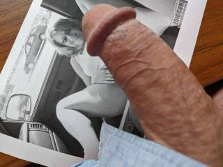 I love stroking this cock to hrnyoo, she is such an amazing little cumslut.