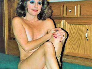 Draga naked in hotel bathroom