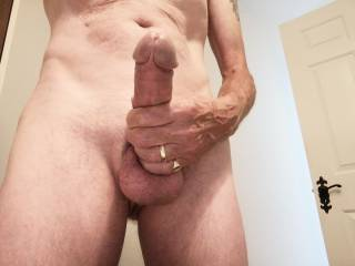 Who wants to suck me